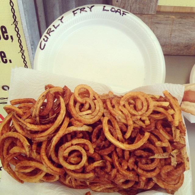 Curly Fry Loaf that we paired with the Bacon-topped Jalapeno Burger from Holmes Steakhouse.
